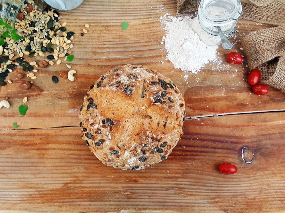 Rezept: Kernbeißer Brot auf dem Brotbackstein backen