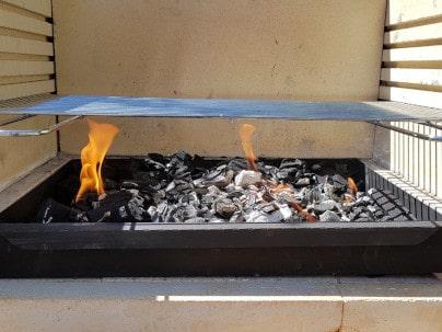 Grillplatz Porto anfeuern