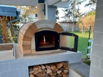 Kundenprojekte: Pizzaöfen Toskana im heimischen Garten