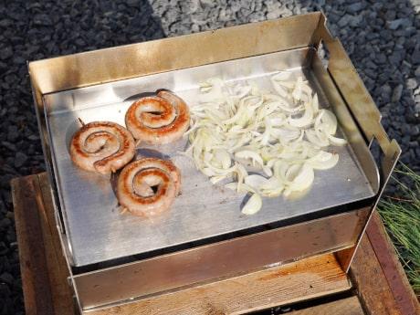 Plancha und Grillplatten für Holzkohle- & Gasgrills