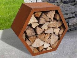 Holzlager / Feuerholzregal