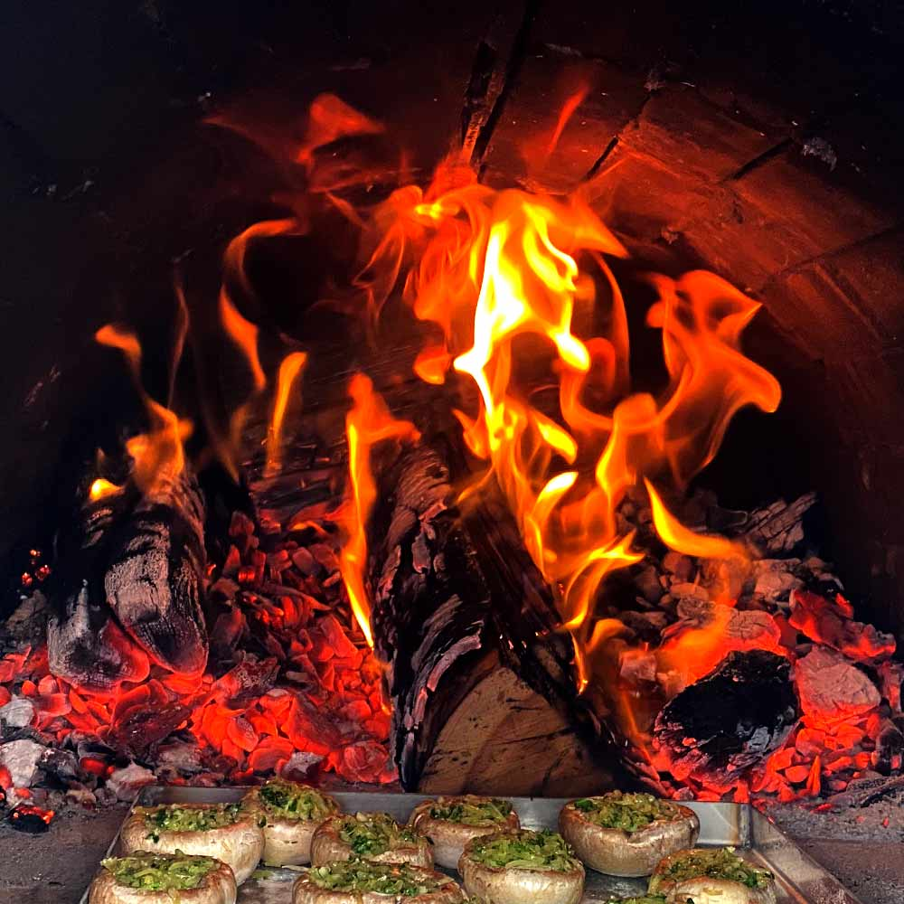 Pizzaofen Bausatz Toskana anfeuern