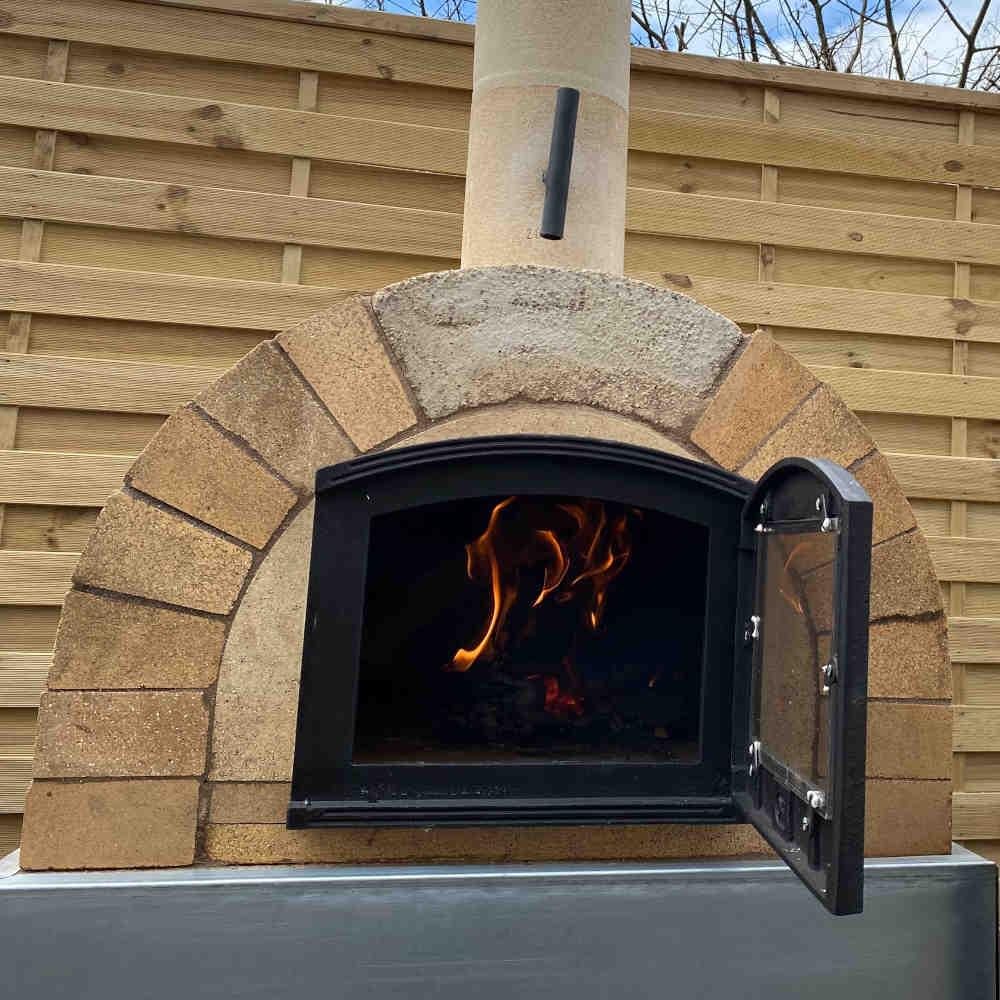 Pizzaofen Bausatz Toskana Premium im Garten