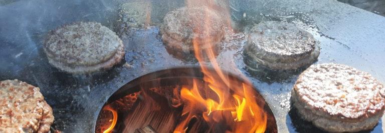 Testbericht: Feuerplatte Ø 80 cm mit Halterung für die Feuertonne