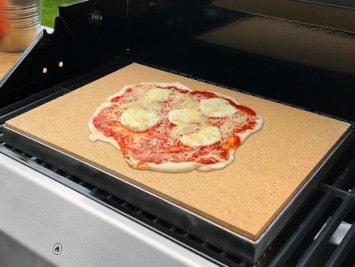 Pizzastein und Schamotteplatte reinigen