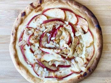 Rezept für Obstgalletti auf dem Pizzastein backen