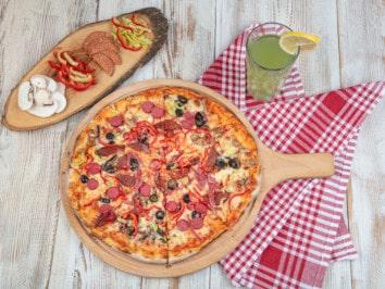 Rezept: Pizza Pikante im Pizzaofen backen