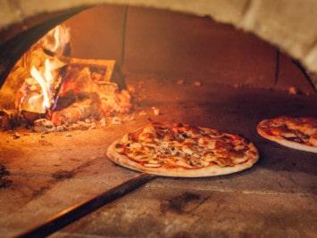 Pizzaofen-Rezepte: Backen, Braten und Kochen im Pizzaofen