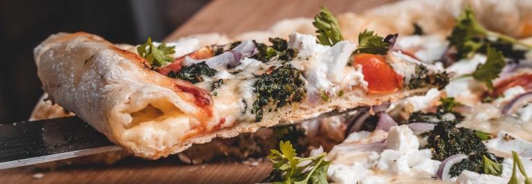 Spinatpizza Cheesy Crust