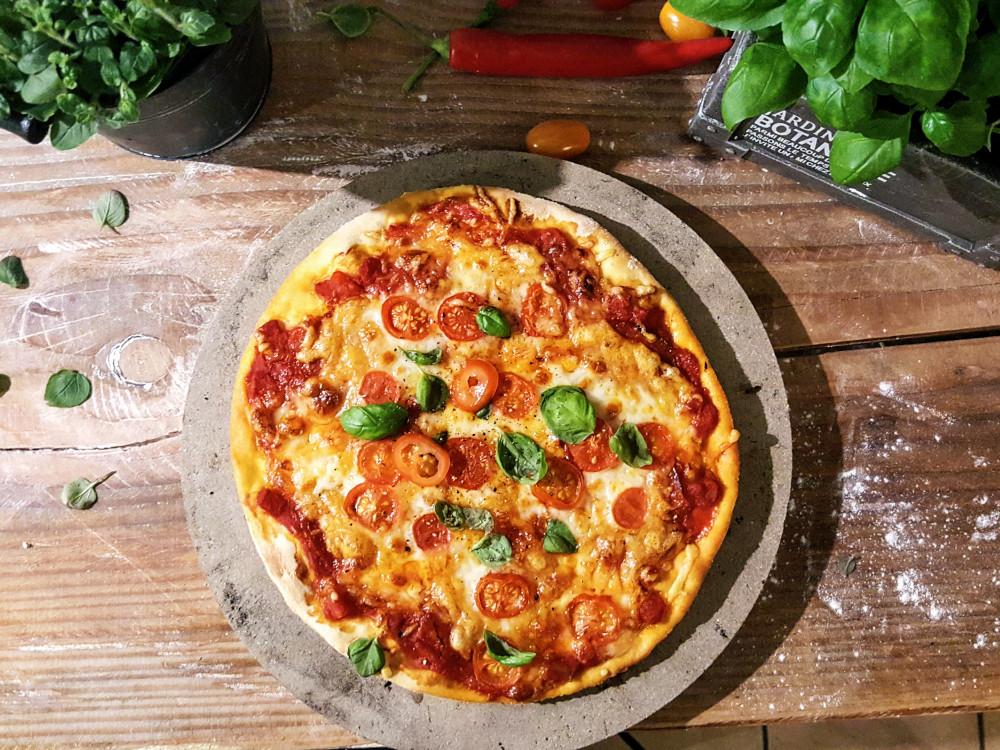 Rezepte für Pizzastein - Pizza Chorizo